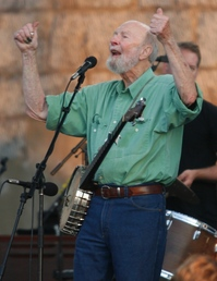 Pete Seeger at Newport  8288.JPG
